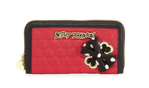 Betsey Johnson ZIP AROUND FUCHSIA QUILTED SWAG WALLET