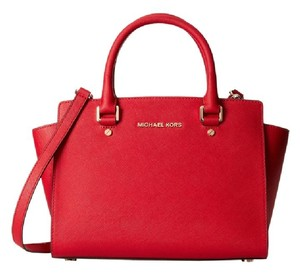 Michael Kors Selma Medium Top Zip / Saffiano Leather Satchel in Red / Gold hardware