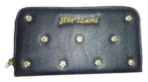 Betsey Johnson ZIP AROUND BLACK SMELL THE ROSES WALLET