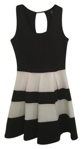 Windsor short dress Black/White on Tradesy