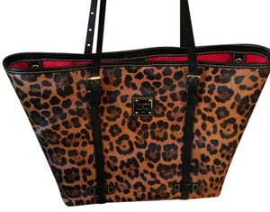 Dooney & Bourke Tote in Leopard