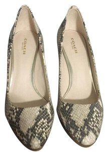 Coach Beige/Croco Pumps