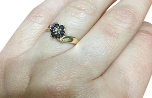 14kt. Yellow gold ring 14kt gold sapphire ring, size 6