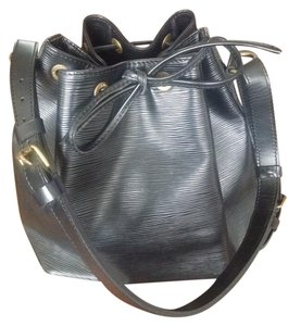 Louis Vuitton Noe Leather Epi Leather Tote in Black