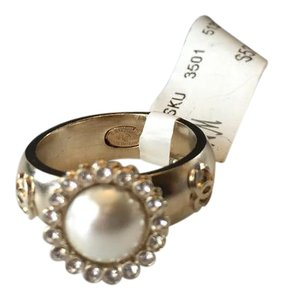 Chanel CHANEL NWT WHITE FAUX PEARL & CRYSTAL SILVERTONE RING ($575) W/TAX