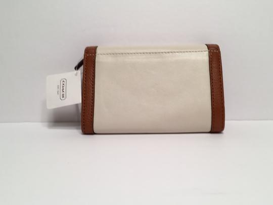 Coach Soho Leather Buckle Compact Clutch White F47680 Image 2