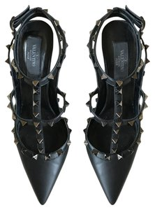 Valentino Sexy Statement Piece Fun Rock Stud Black Pumps