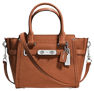 Coach Carryall F37444 Satchel in brown