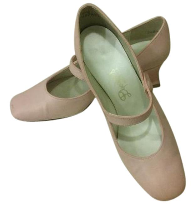 Item - Pinkish-peach Formal Shoes Size US 7 Regular (M, B)