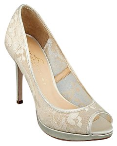 Ivanka Trump New In Box Off-white Satin And Lace Platform Peep Toe Pumps Wedding Shoes