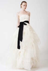 Vera Wang Vera Wang Eliza Wedding Gown Wedding Dress