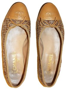 Chanel Leather Monogram Woven Fabric beige, brown Flats