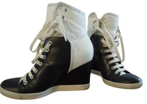 See by Chloé White / Black Wedges