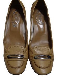 Tod's light brown Pumps