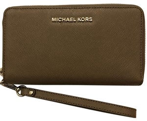 Michael Kors Jet set travel lg flat mf phn case