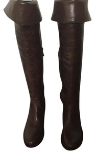 Vince Camuto Brown. Boots