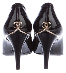 Chanel Interlocking Cc Logo Gold Hardware Embellished Patent Leather Black, Gold Pumps