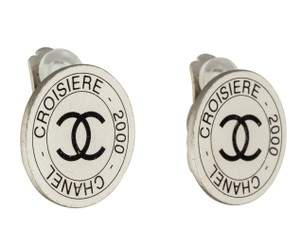 Chanel Silver-tone Chanel round Croisiere interlocking CC clip on earrings