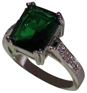 Other Green solitaire Stamped 10KT WGF ring new without tags