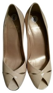Stuart Weitzman Beige Patent Leather Pumps