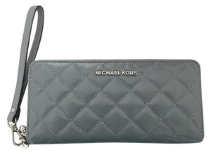 Michael Kors Michael Kors Jet Set Travel Continental Wristlet Wallet
