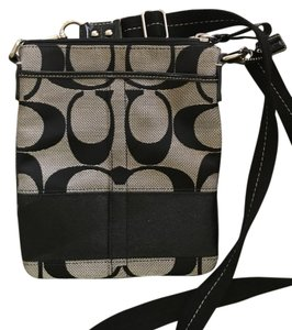 Coach Mo667 Messanger Cross Body Bag