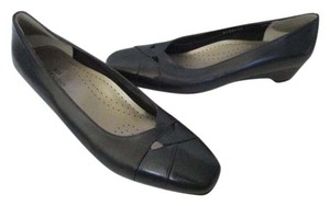 Ros Hommerson Leather Navy Black Square Toe Flats