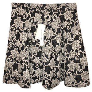 Joe Benbasset Mini Skirt black and white