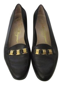Salvatore Ferragamo Leather Designer Traditional Everyday Navy Flats