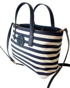 Tory Burch Tote in Navy and Ivory