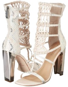 BCBGMAXAZRIA Leather Square Heel Cutout Macrame Rear Zipper Closure Shell Pink Sandals