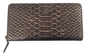Coach Accordian zip wallet in embossed leather 56283 DKBLK