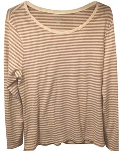 Old Navy T Shirt cream and tan