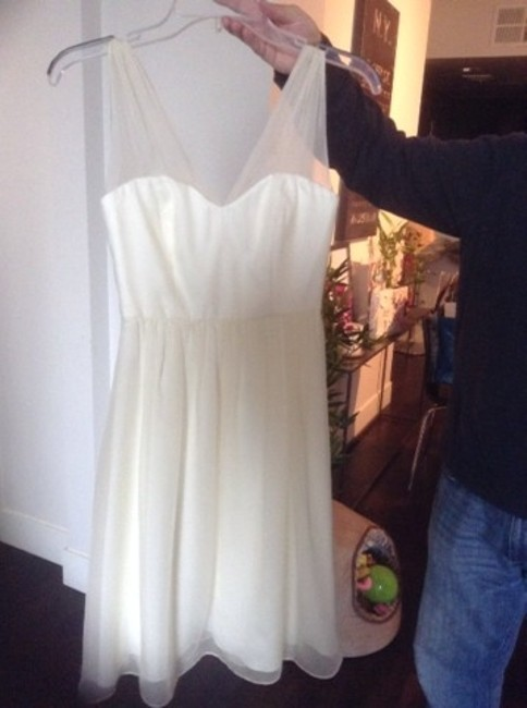 Item - Ivory Bridesmaid/Mob Dress Size 2 (XS)