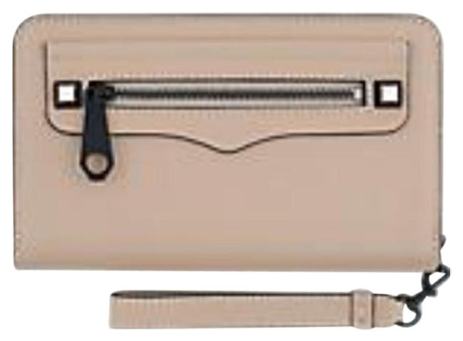 Item - Regan Universal Nude Leather Wristlet
