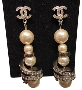 Chanel BNWT Chanel Pearls Earrings with Crystals