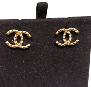 Chanel Chanel CC Logo Earrings in Gold
