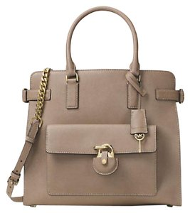 Michael Kors Tote in Dark Dune