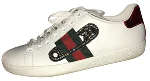 Gucci women's white, black, green, and red Athletic
