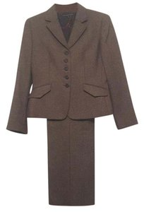 Isabella DeMarco Classic Style Wool