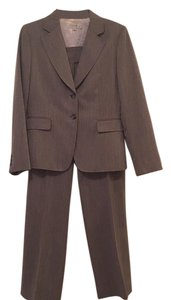 Tahari Arthur Kevube Grey Pant Suit with Pink Pinstripe