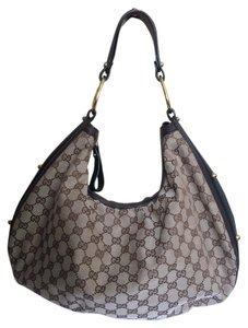Gucci Interlocking Medium Studded Hobo Bag