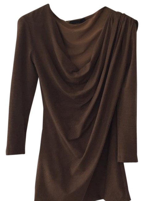 Preload https://img-static.tradesy.com/item/20642180/donna-karan-whiskey-drape-shoulder-jersey-night-out-top-size-8-m-0-1-650-650.jpg