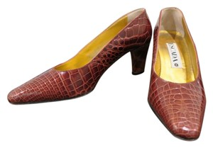 Escada cognac Pumps