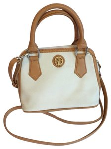 Giani Bernini Satchel in White