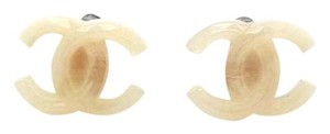 Chanel #9116 milky cream CC gold hardware clip on earrings