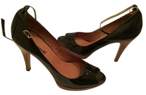 Dollhouse Black Pumps