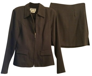 Byer Too Size 7 gentle used skirt suit