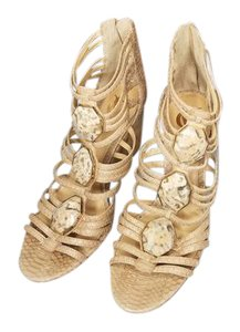 Vince Camuto Buff Wedges