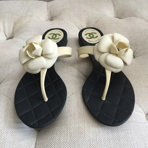 Chanel Black/off white Sandals